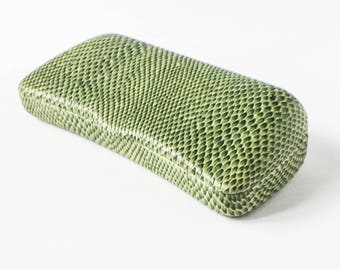 Spectacles case in green snakeskin look - Vintage box for glasses fake snake skin 80s 90s design