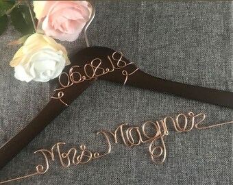 Free shipping Custom, Wedding Hanger, Bridal Shower Gift, Wedding Gift, Shower Gift, Custom Hanger, Wire Hanger, Bridesmaid, Wire Name