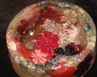 Antiqued Resin Flower Dish