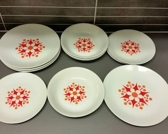 Retro Thun TM Czechoslovakia plate. 4 dinner, 4 soup and 4 bread plates  60s.