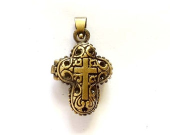 1 Antique Bronze Cross Prayer Box Locket With Hinged Lid -22-8-3