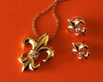 Pretty Shiny Gold Plated With Clear Rhinestone Fleur de lis Necklace and Pierced Earrings