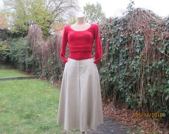 Skirt and Shorts / Skort Vintage / Beige Skirt / Beige Shorts / Side Pockets / Cropped Pants / Elastic Waist / Size EUR42 / UK14