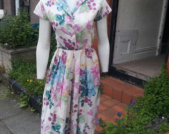 SALE Beautiful 1940s novelty print raspberry and floral printed dress with stunning pink glass cut beads ideal for Summer
