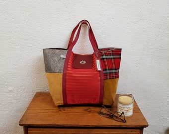 Mix of fabrics and leather tote bag