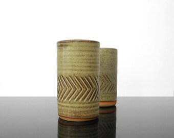 Ceramic Salt & Pepper Shaker /  Mid Century / Vintage