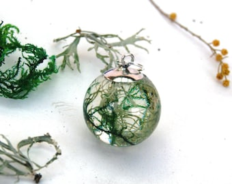 Lichen Resin Necklace. Moss necklace. Forest  jewellery. Nature jewelry. Terrarium necklace. Woodland. Botanical necklace. By OCEAN PETALS