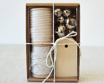 Ivory and Silver Gift Wrap Kit (GWK22)