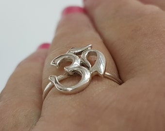 Yoga ring, Om ring sterling silver, mantra ring, spiritual ring