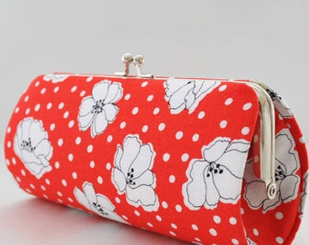 Tossed Poppies in Red..Small Clutch Purse