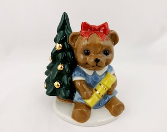 Wade Teddy Bear Annabel Waiting for Christmas. 1998 Collectors Club