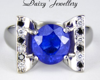 The edge of beauty - 3.76 ct. Sapphire and Diamonds Gold Ring. Free shipping. Fine jewelry. Blue gemstone.