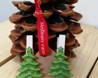 Clip has linen Christmas tree x 2