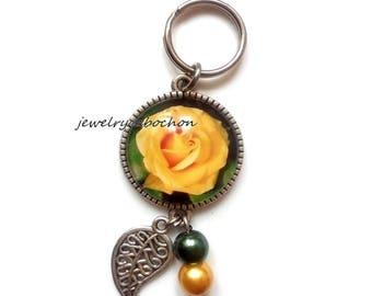 Keychain flower glass cabochon