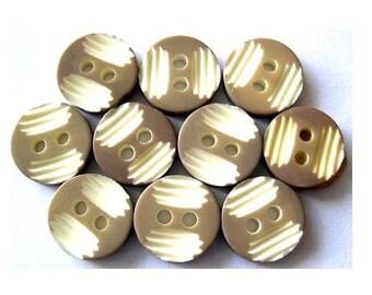 10 Vintage buttons 11mm plastic