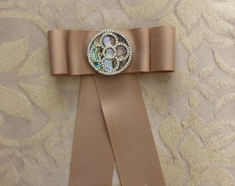 mother of pearl bow brooch