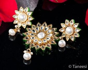 Pearl Kundan Jewelry Set, Earrings Pendant set, enamel work Freshwater Pearls Kundan by Taneesi