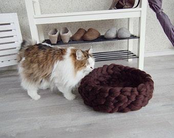 Cat Bed - pet bed - cat furniture - pet basket - merino wool - choose color - chunky wool