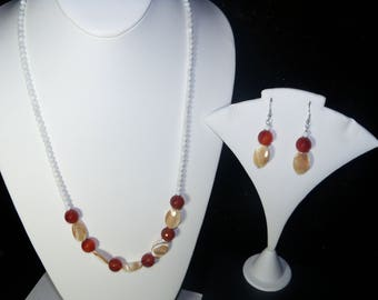 A Beautiful Red Carnelian and Shell Necklace and Earrings. (2017248)