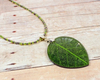 Leaf Necklace - Green Leaf Necklace - Green Necklace - Seed Bead Necklace - Woodland Necklace - Beaded Necklace