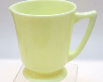 McKee Glass Seville Yellow 4 Cup Measuring Cup or Pitcher 1930's Kitchenware