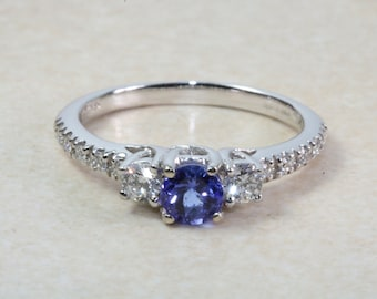Natural AAA Grade Tanzanite and Diamond Ring. 18ct White Gold Engagement Ring. Promise Ring.Perfect Birthday or Anniversary Gift