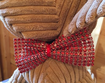 Pets sparkly red bow tie