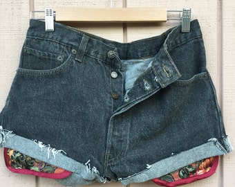 Size 34W, Made in USA, Levis 501 vintage shorts. Custom pockets.