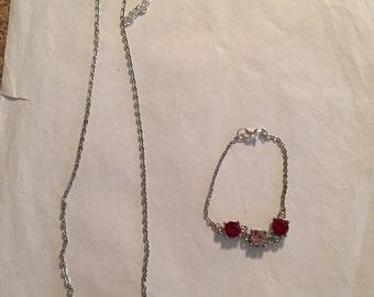 Pretty Necklace/Bracelet Set!