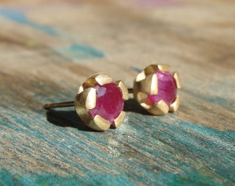 Ruby Earrings , Ruby Studs , Gold Stud Earrings , Ruby Earrings, Red Studs , July Birthstone Earrings , 18k Gold Earrings