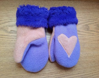 With love for the holidays mittens in purple and peach with hearts and fur trim