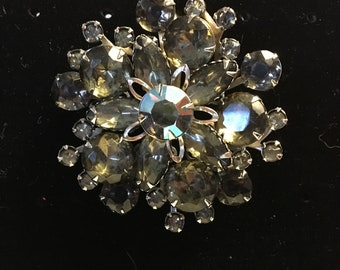 Gorgeous Vintage Smokey Gray Grey Rhinestone Brooch