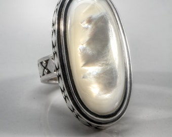 Southwestern Mother-of-Pearl Long Sterling Silver Knuckle Ring Size 7