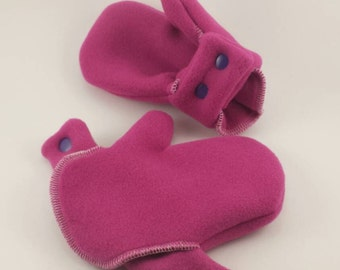Bright Pink Infant/Toddler Polartec no slip Mittens