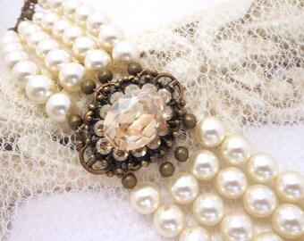Swarovski crystal bracelet, Bridal bracelet, Bridal jewelry, Pearl Wedding bracelet, wedding jewelry, Crystal bracelet, Cuff bracelet