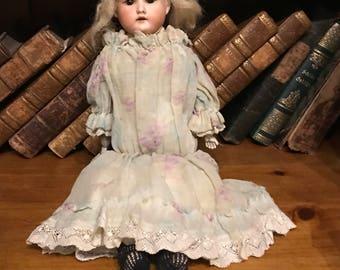 Wonderful 19th Century Armand Marseille German AM 7/0 Doll