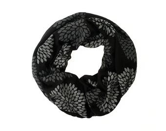 MINI INFINITY SCARF - Gray Double Flowers on Black
