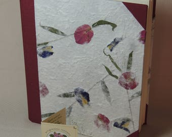 Photo Album 20 x 25 cm-30 sheets-In mulberry paper with red and blue flower petals.