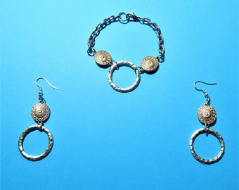 Women's bracellet and Earring Set