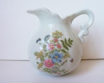 Vintage Hand painted Porcelain creamer  (#EV97)