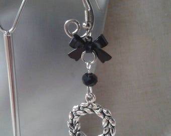 """Earrings """"black Crown and bow"""""""