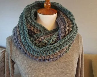 Laura Infinity Scarf.BLUE/GREEN/GRAY Infinity Scarf//Ready to Ship//Crochet Scarf//Caron Cakes