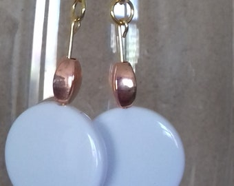 White disc dangle earrings