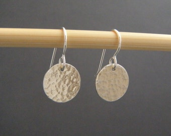 small sterling silver earrings hammered discs circle dangle everyday modern drop leverback lever back. simple minimalist jewelry. 1/2""