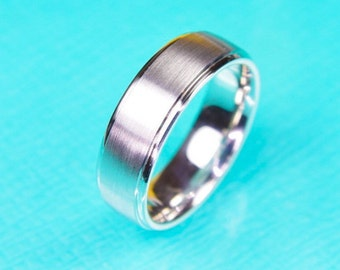 14K white gold 7mm matte and polished mens band