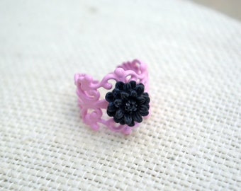 Mini Me Black Daisy Ring