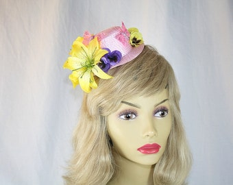 Yellow Lily Kentucky Derby Hat Mini Top Hat Fascinator Hat Yellow Lily Church Hat Yellow Wedding Hat Perfect for Garden Party