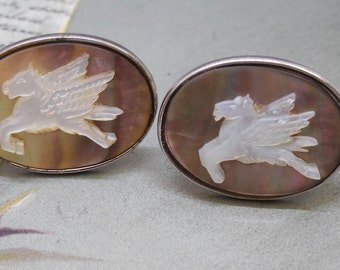 Carved Mother of Pearl Winged Horse Pegasus Cufflinks    NAB28