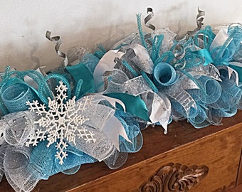 "36"" Frozen snowflake deco mesh arrangement/frozen arrangement/Snowflake arrangement/snowflake swag/frozen snowflake swag"