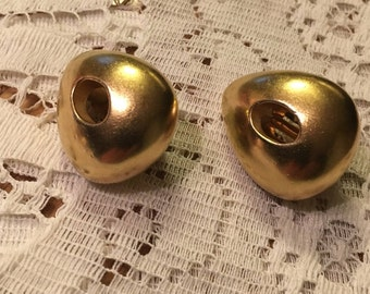 Vintage Erwin Pearl Gold Tone Chunky Clip On Earrings Rounded Triangle with an Open Oval Center